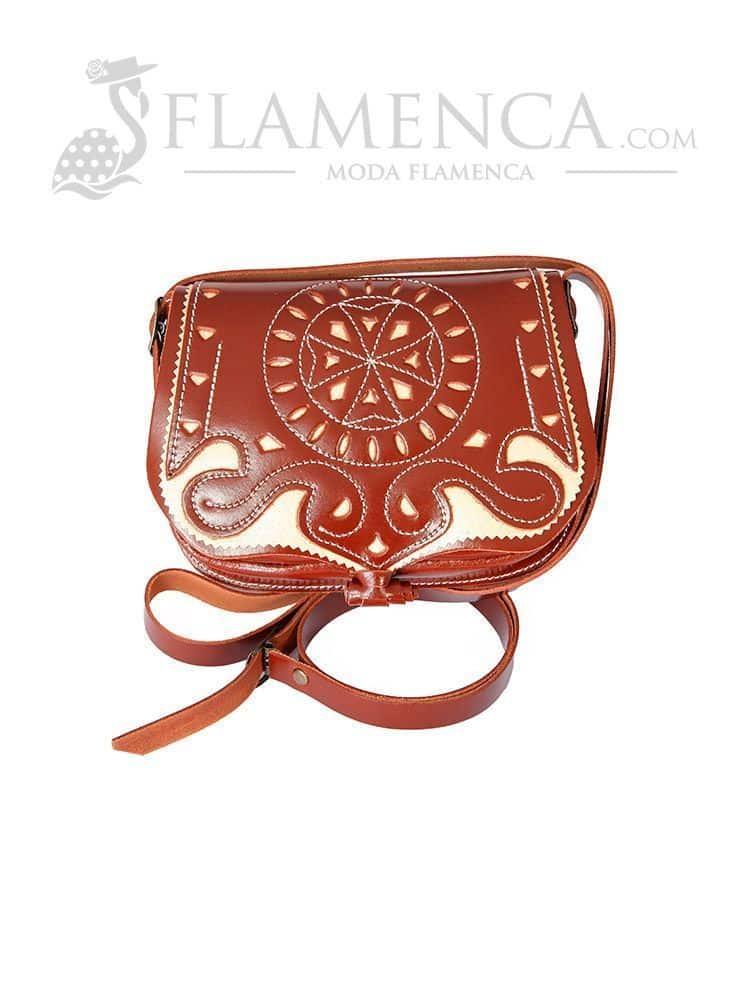 be07d900d Bolso bandolera señora de piel picado marrón con fondo beige | Flamenca