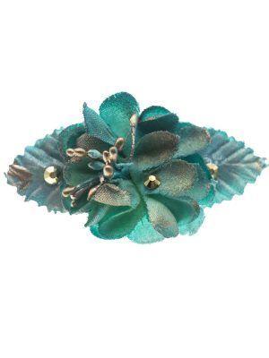 Broche de flamenca con flores de tela verde agua con reflejo dorado