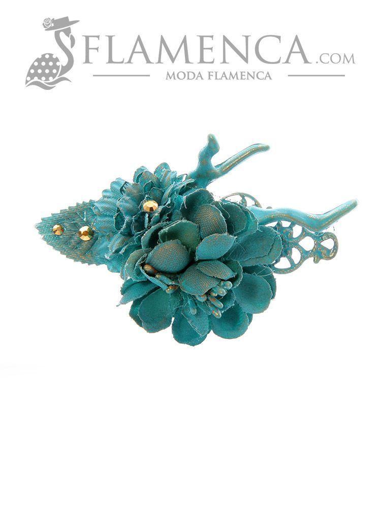 047886cef499 Broche de flamenca de flores de tela turquesa con reflejos oro
