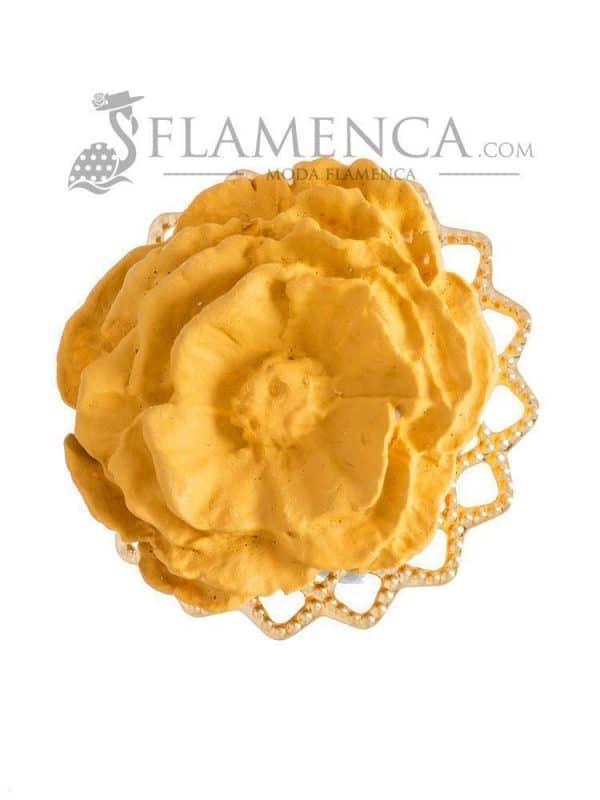 Broche de flamenca de porcelana mostaza