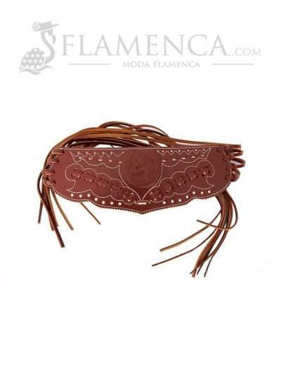 Cinturón fajín de señora en piel trenzado marrón con fondo blanco