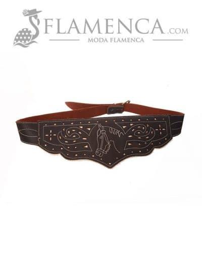 Cinturón fajín señora marrón engrasado fondo blanco