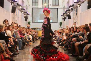 Moda flamenca: Más allá del flamenco como arte y cultura, un estilo de vida