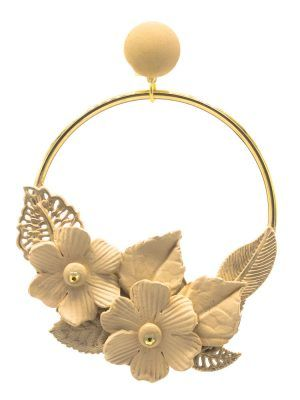 Flamenco gold earring with beige porcelain flower