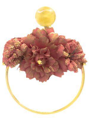 Pendiente de flamenca aro dorado con flor de tela maquillaje y reflejos dorados