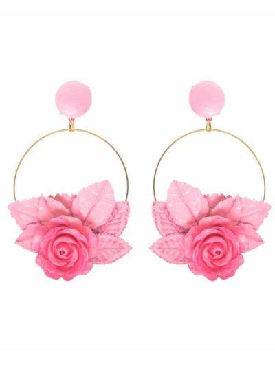Pendiente de flamenca aro dorado con flor y hojas de resina, porcelana y tela tono rosa
