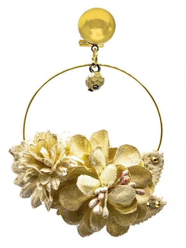 Pendiente de flamenca de flores beig claro