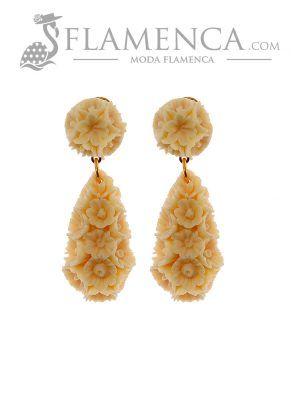 Pendiente de flamenca de flores marfil
