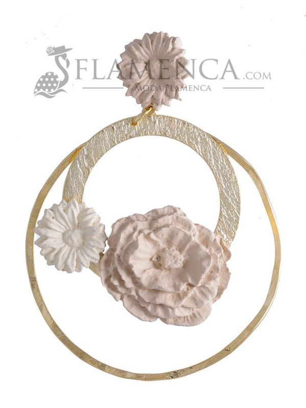 Porcelain flamenco earring in shades of beige gradients