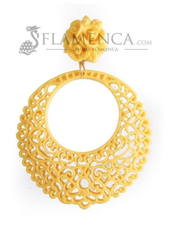 Pendiente de flamenca de resina amarillo