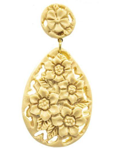 Pendiente de flamenca de resina color beige