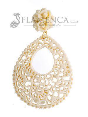 Pendiente de flamenca de resina marfil