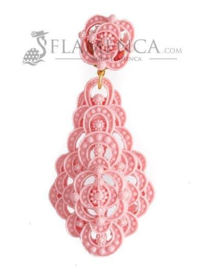 Pendiente de flamenca de resina rosa bebé