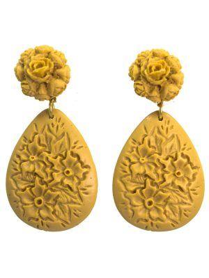 Pendiente de flamenca floral en resina color camel