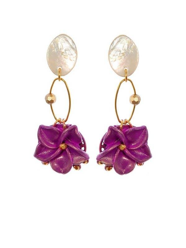 Pendiente de flamenca lágrima flor morada y reflejos dorados