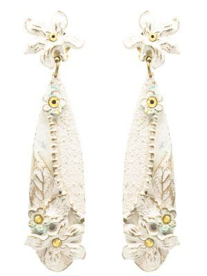 Pendiente de flamenca marfil con reflejos dorados
