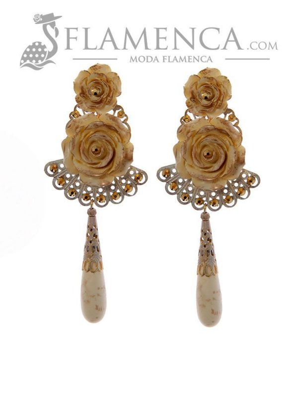 Ivory flamenco earring with gold highlights
