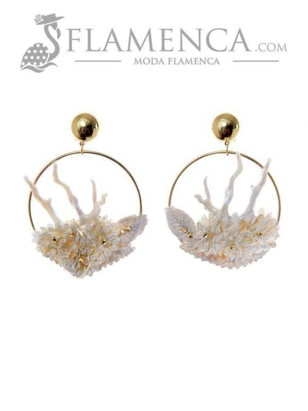 Pendiente de flamenca marfil con reflejos oro