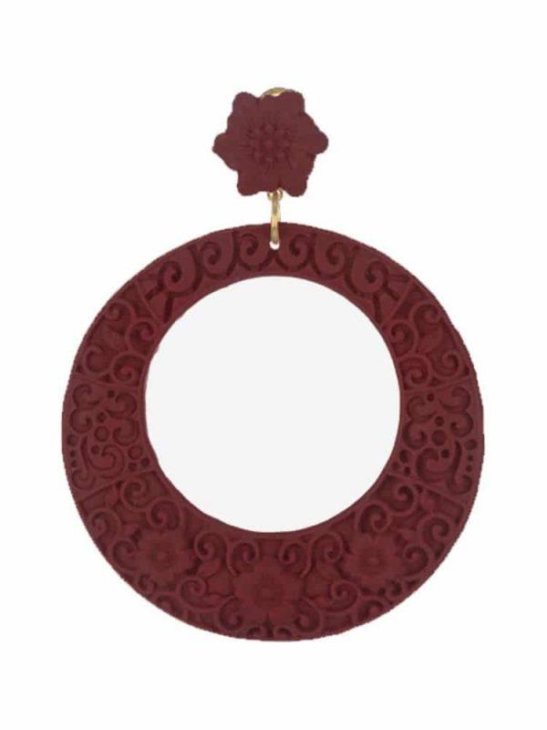 Flamenco resin hoop earring with burgundy filigree
