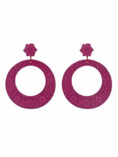 Pendiente de flamenca resina en forma de aro con filigrana buganvilla