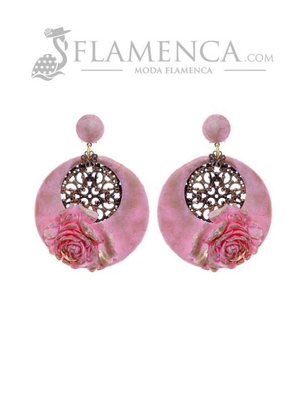 Pendiente de flamenca rosa bebé con reflejos oro
