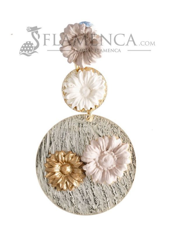 Porcelain earring in shades of ivory and gold