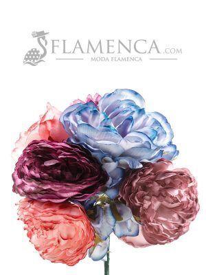 Ramillete de flamenca multicolor con tonos ducado y maquillaje